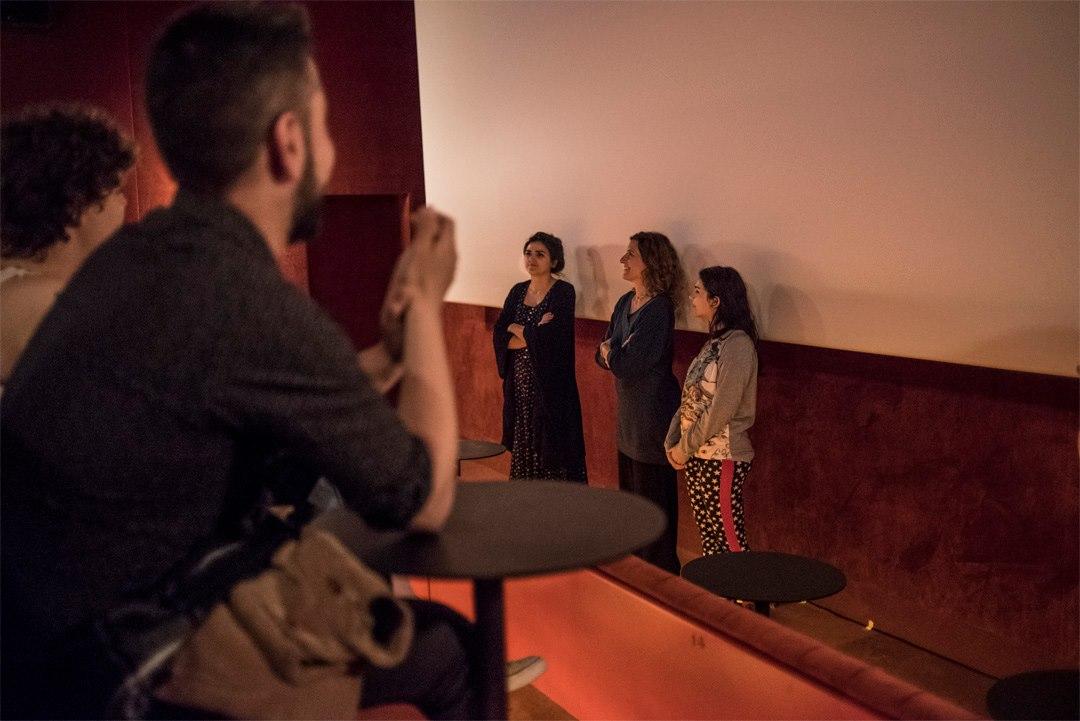 Monica Stambrini, Valentina Nappi y Nuria Cubas (directora de Filmadrid) en la sala Equis. Foto de Roberto Arosio