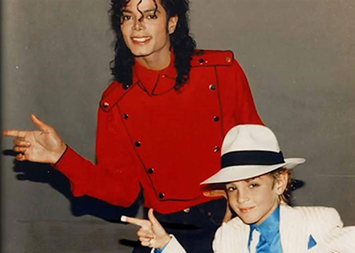 Leaving Neverland - Revista Mutaciones