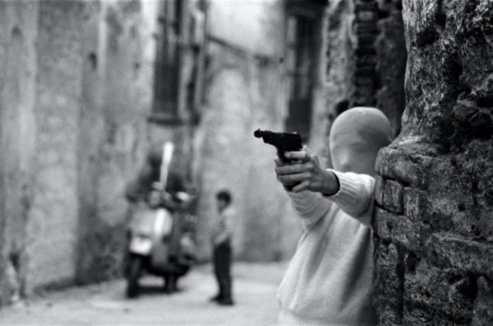Shooting The Mafia - Revista Mutaciones