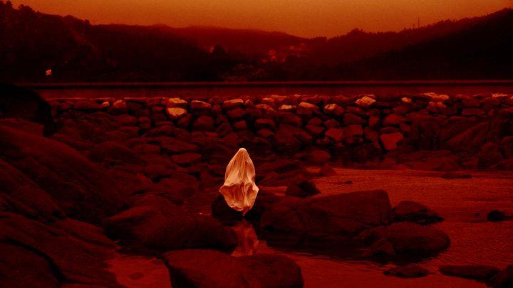 Lua Verella (Luna roja, Louis Patiño, 2020)