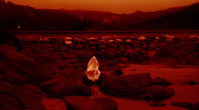 Lua Verella (Luna roja, Lois Patiño, 2020)